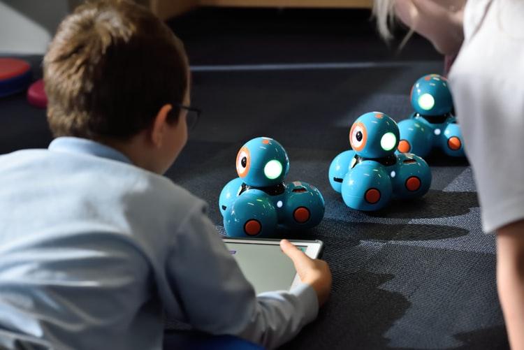 Are AI toys hazardous for children?